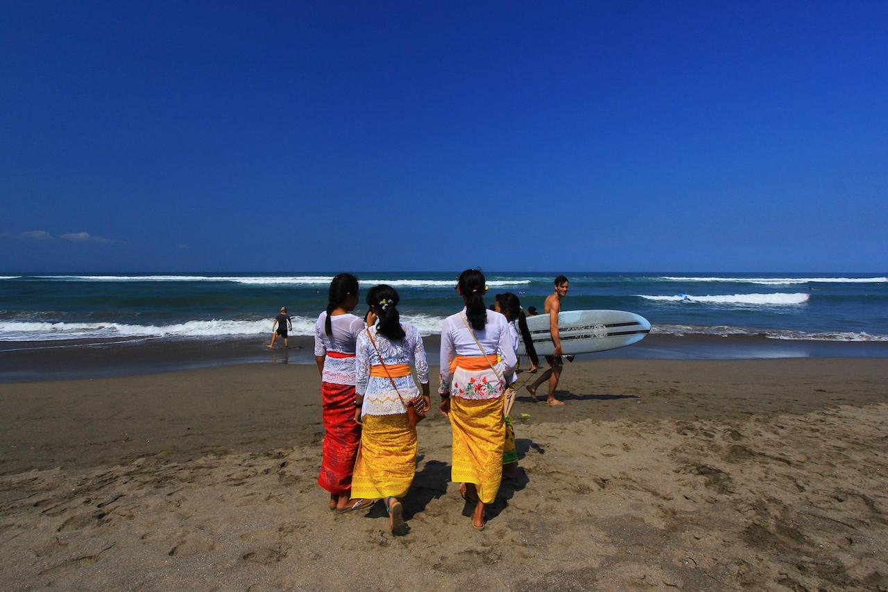 Pantai Batu Bolong di Bali