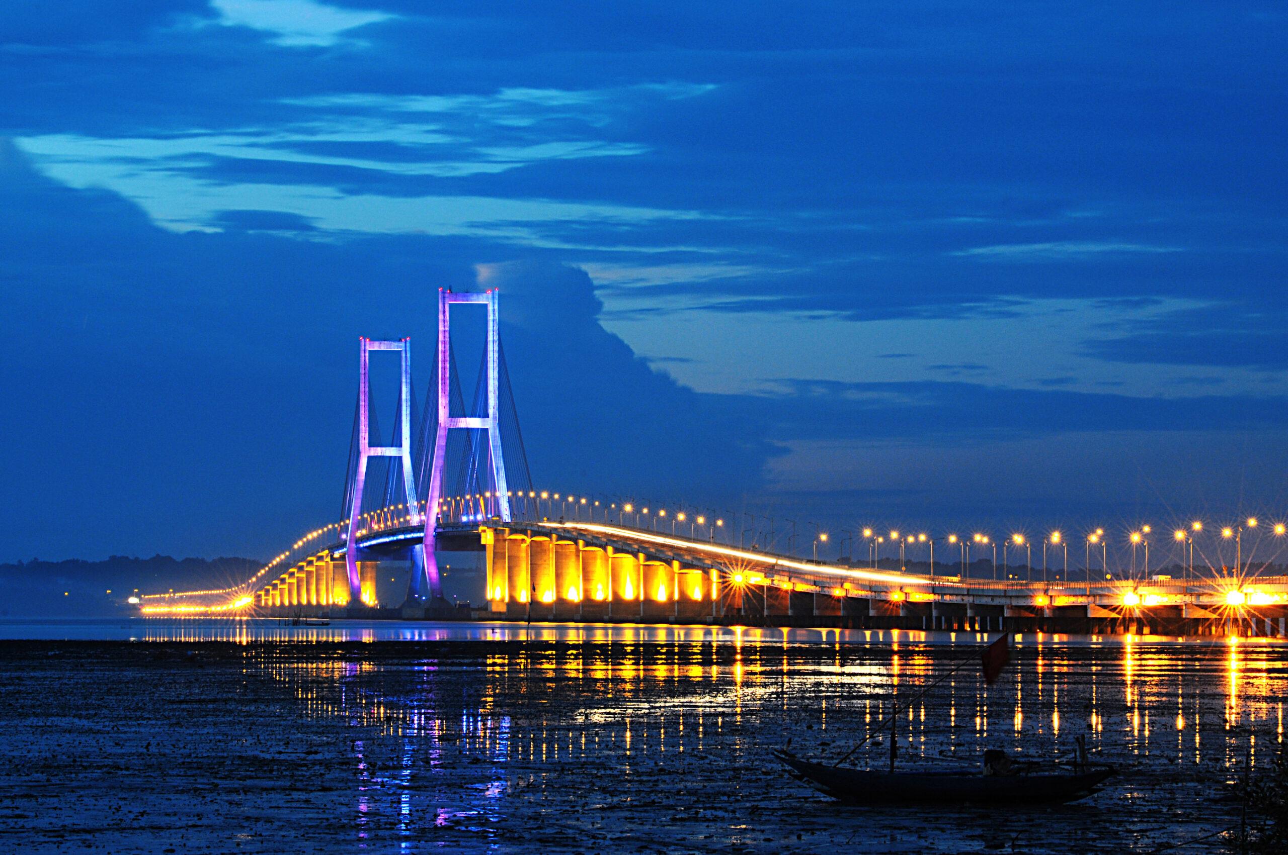 sarapan tradisional Bangkalan menjadi lebih mudah sejak adanya Jembatan Suramadu.