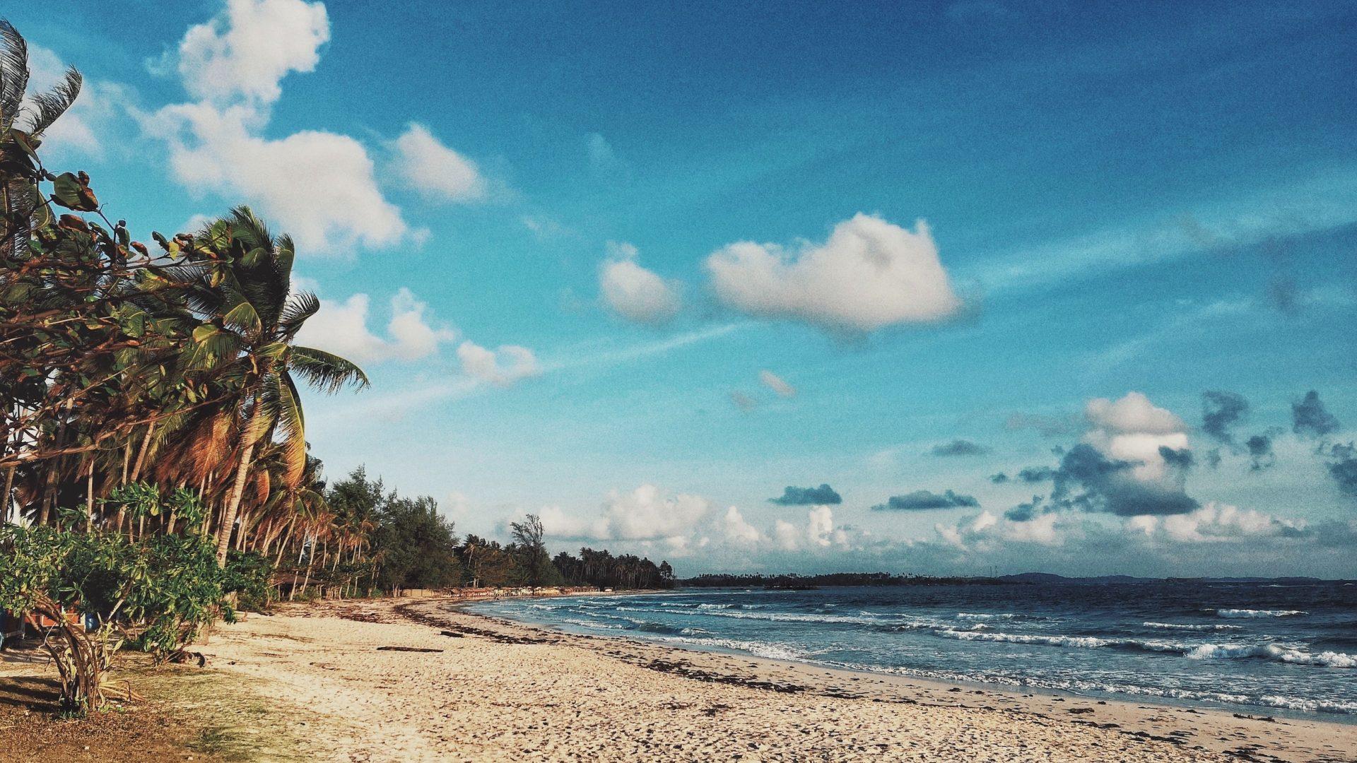 Pantai yang bisa dinikmati dalam wisata Bintan