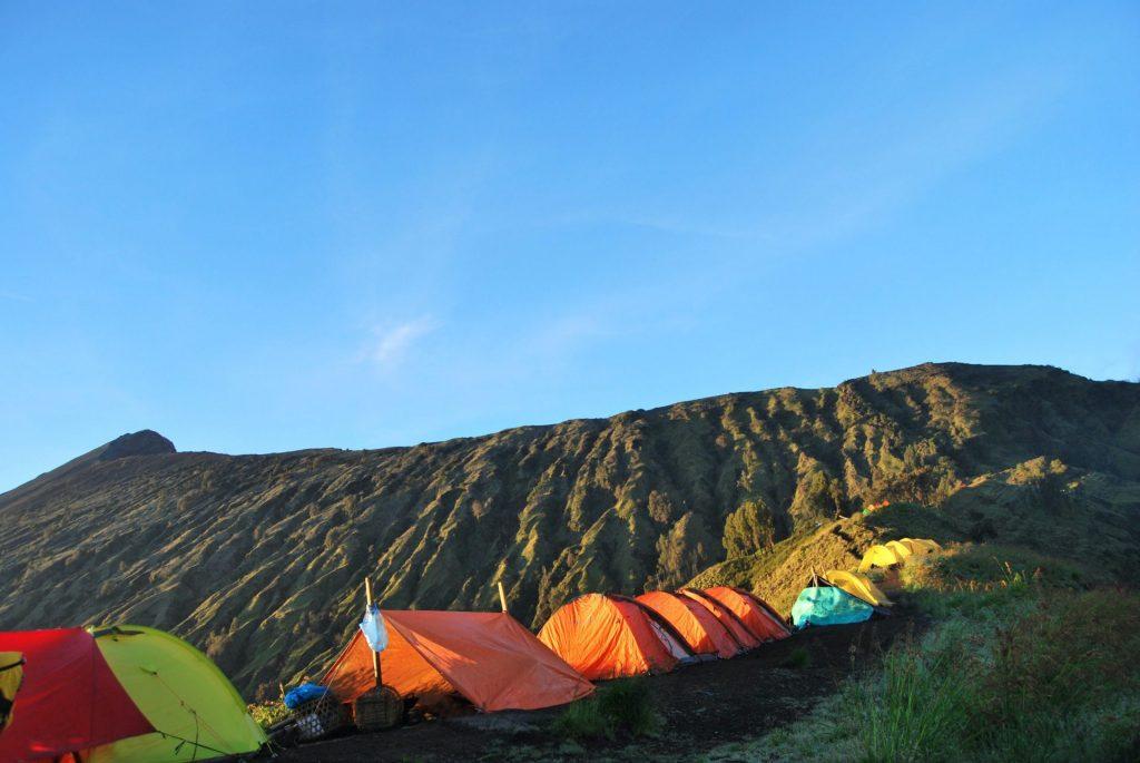 Tenda di Punggung Gunung Rinjani Lombok