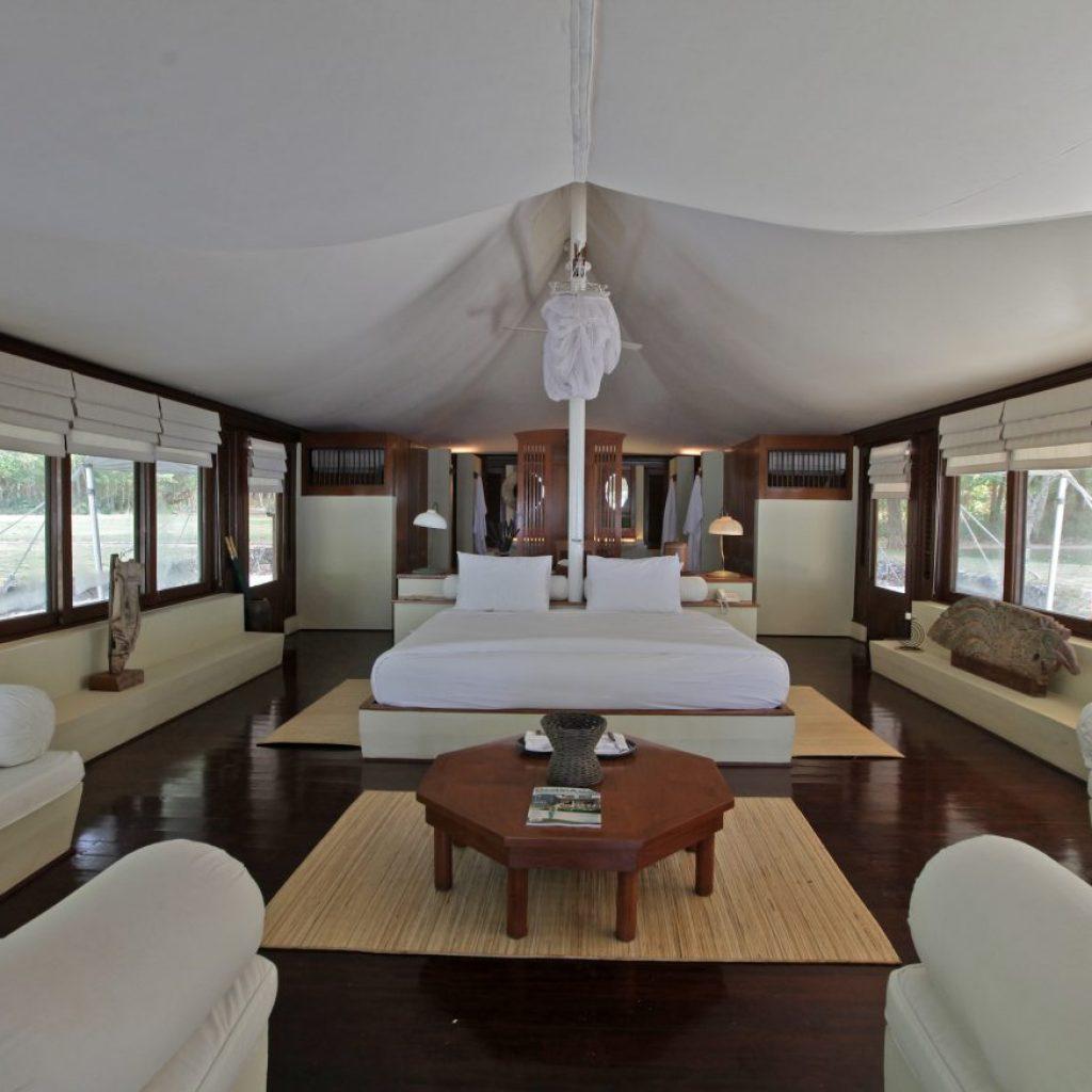liburan glamping, bergaya hotel bintang lima di Amanwana Resort