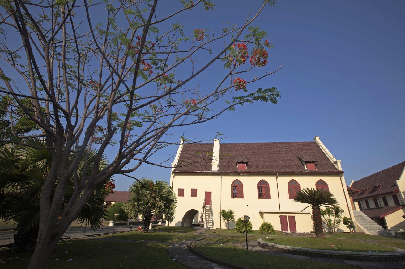 Singgah 1 hari di Makassar salah satunya ke Fort Rotterdam