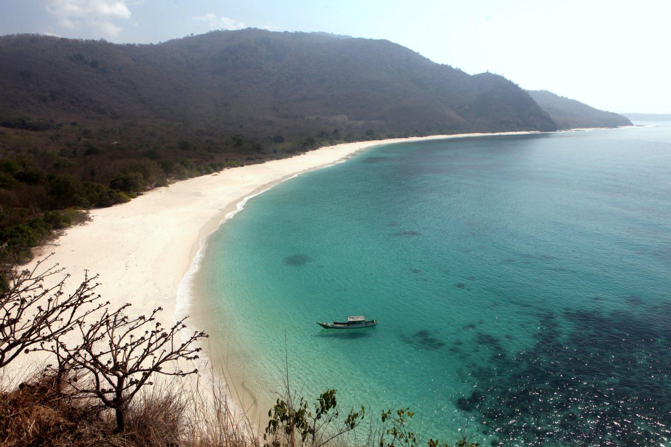 Pantai LingAl Alor