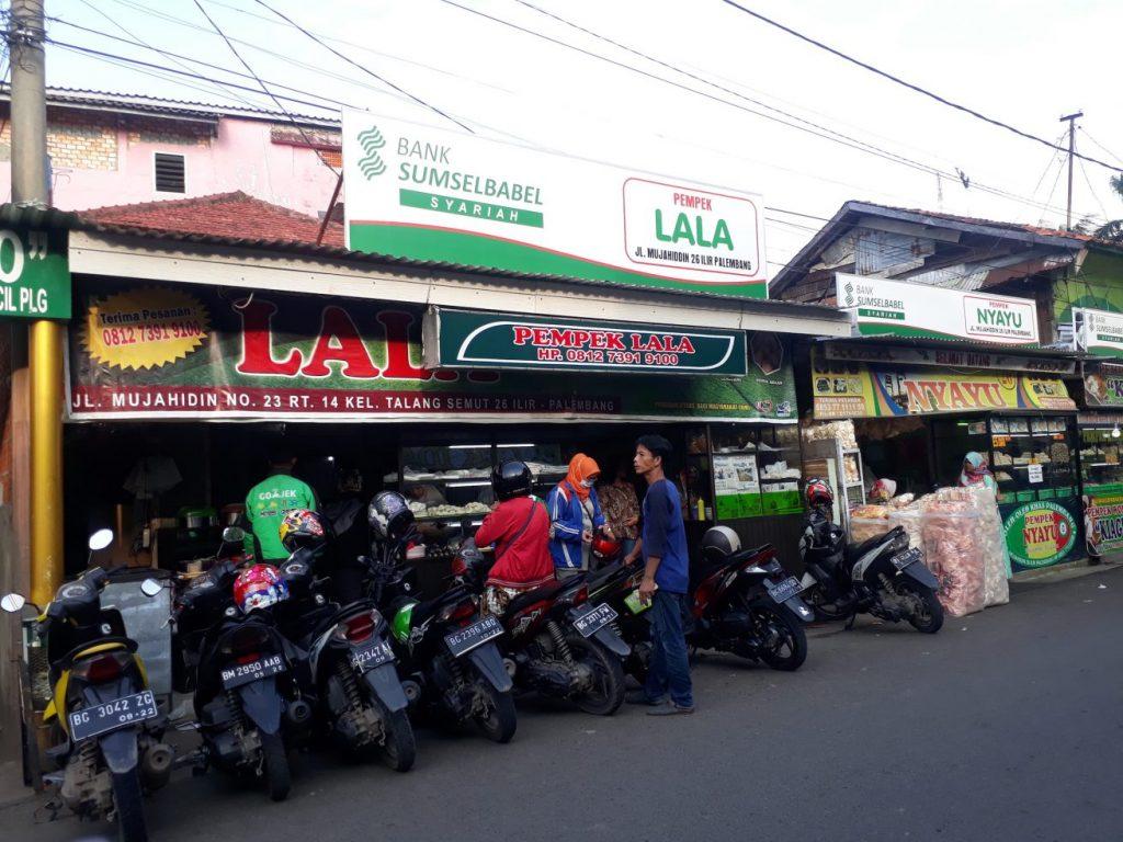 3 serangkai Palembang dan menikmati kuliner pempek Lala