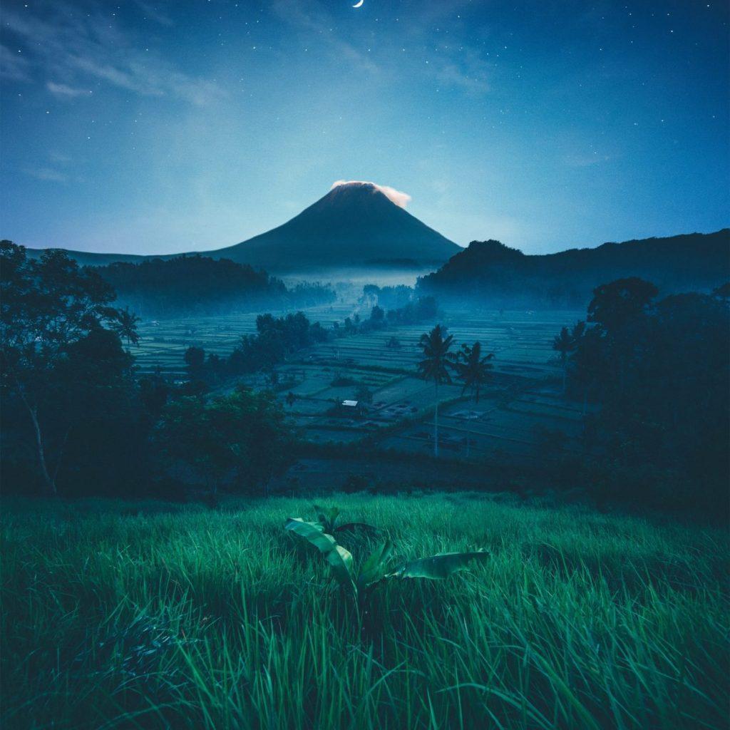 Seven Wonders of Bali, di antaranya adalah Gunung Agung