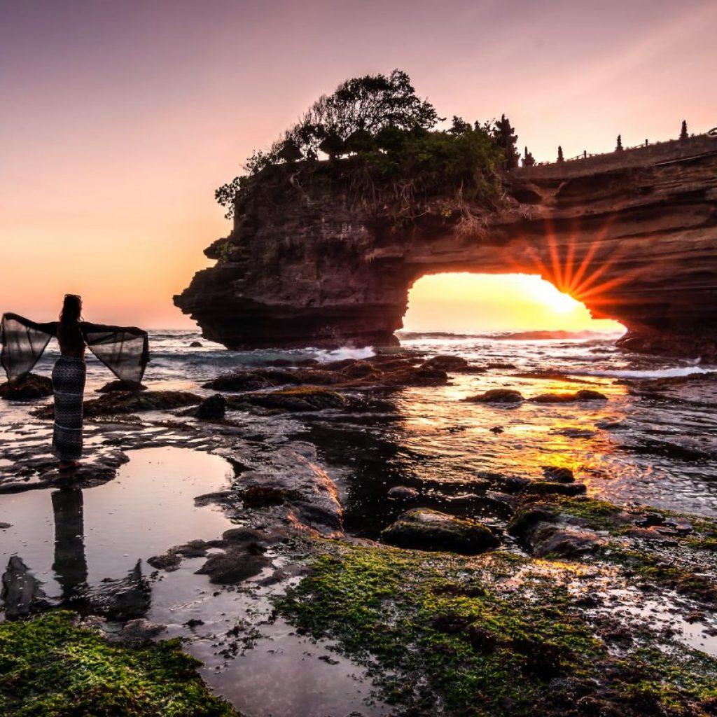 Menyusur Pesisir Selatan Bali Batu Bolong