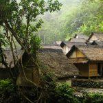 menikmati eksotisme Banten salah satunya dengan mengunjungi kampung adat Baduy.
