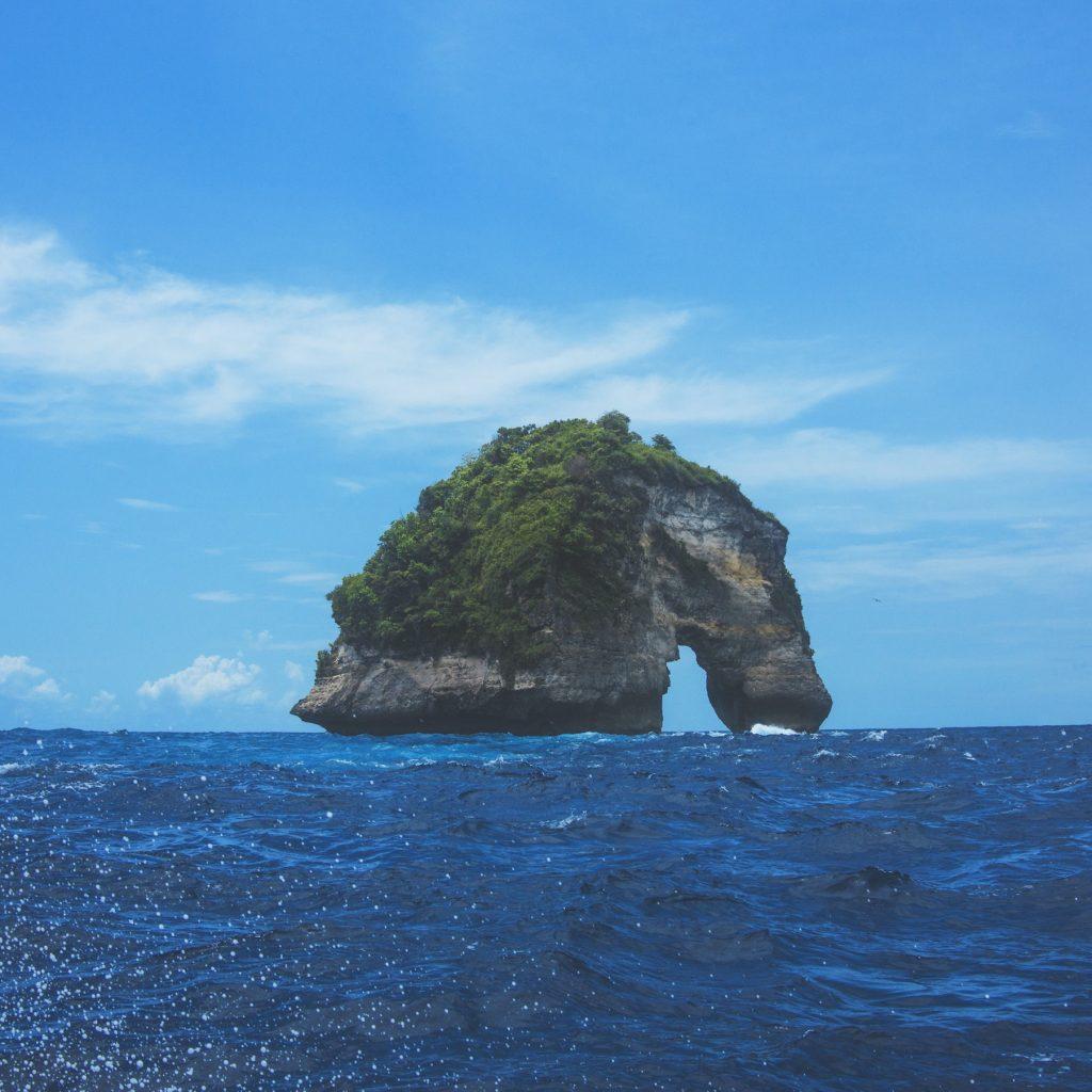 Nusa Penida Bali menjadi salah satu tujuan untuk diving dengan spotnya di Manta Point.