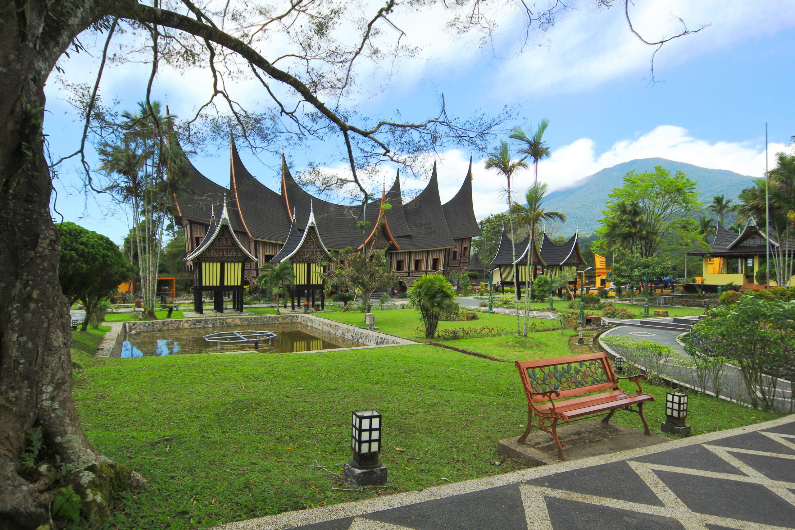 Rumah Gadang di Sumatera Barat