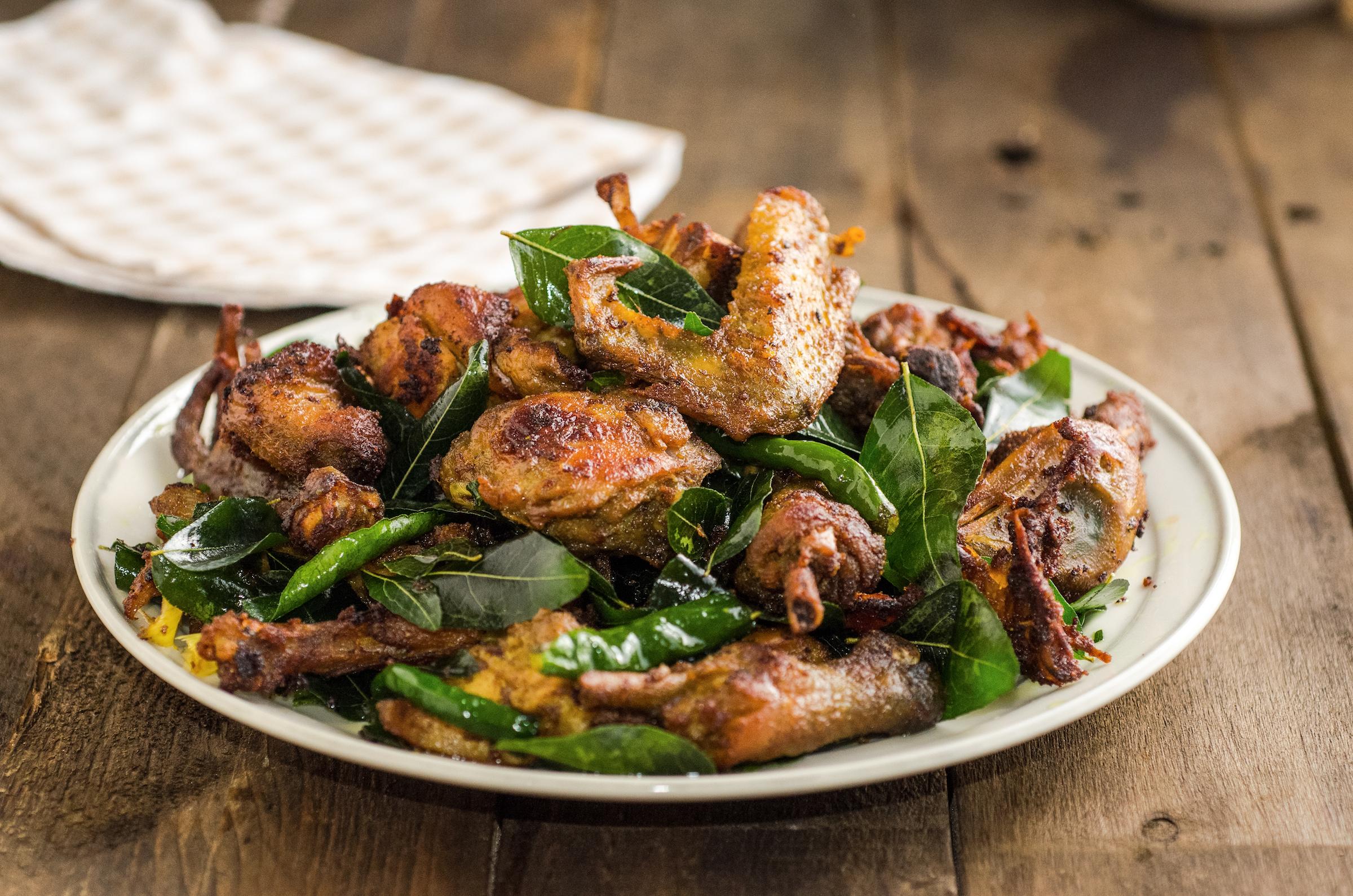 5 surga sajian kuliner Indonesia, salah satunya adalah Nangroe Aceh Darusalam. Ada banyak pilihan di sini, salah satu yang terkanal adalah ayam tangkap.