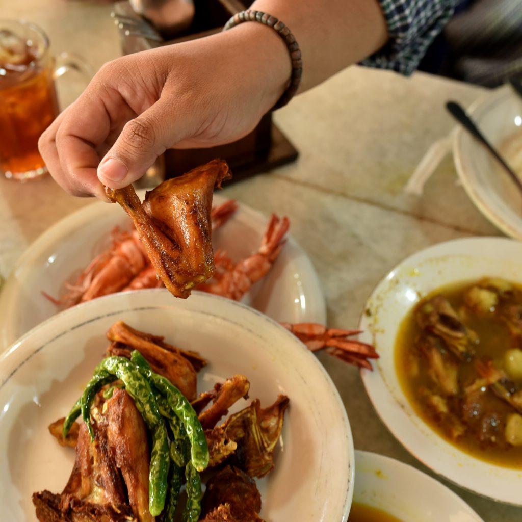 ayam tangkap khas Aceh, sebagai salah satu ikon kuliner Serambi Mekah.