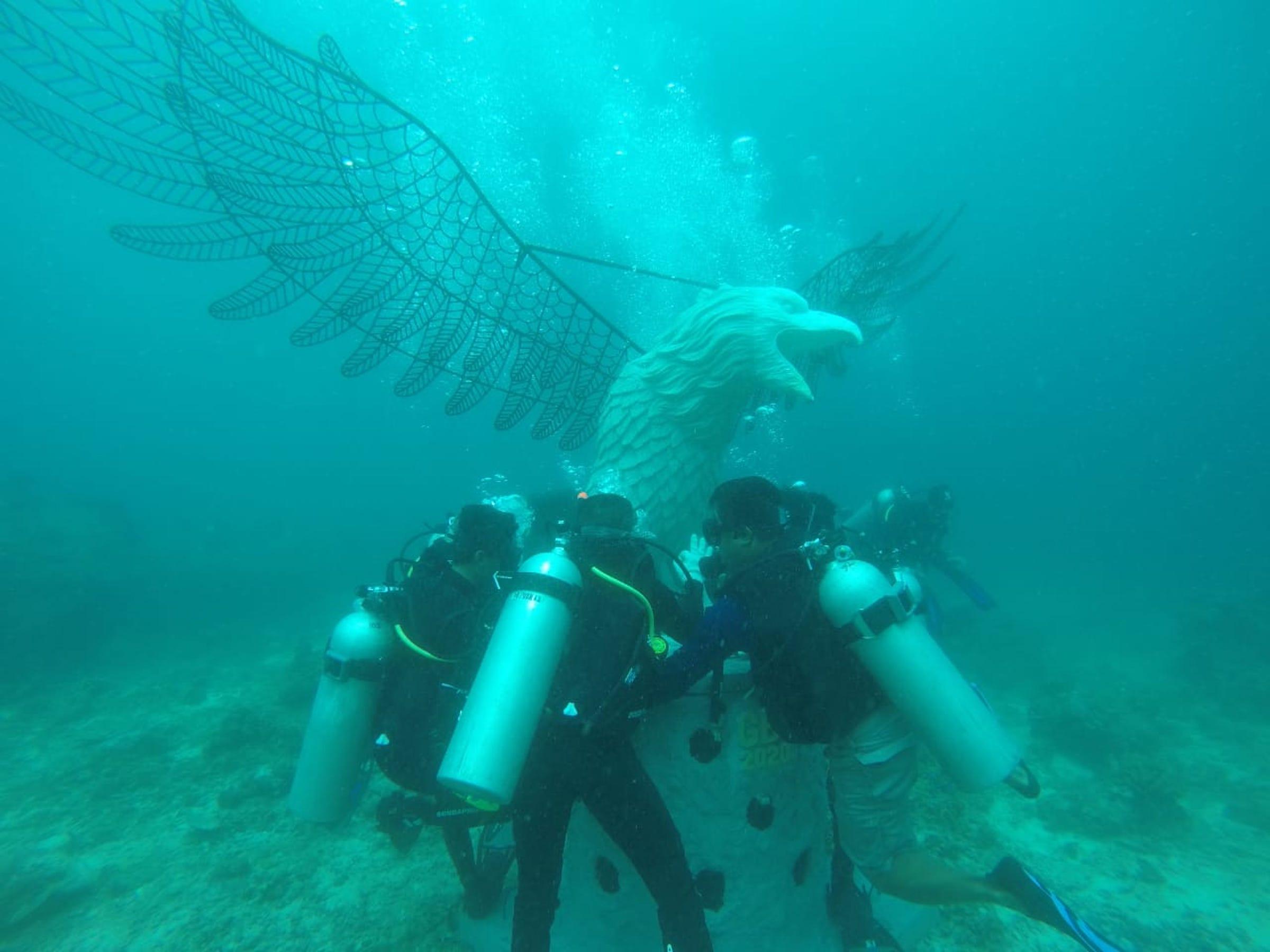 KKP menanam 109 karang buatan di perairan Gili Meno di Kombok Utara, NTB.