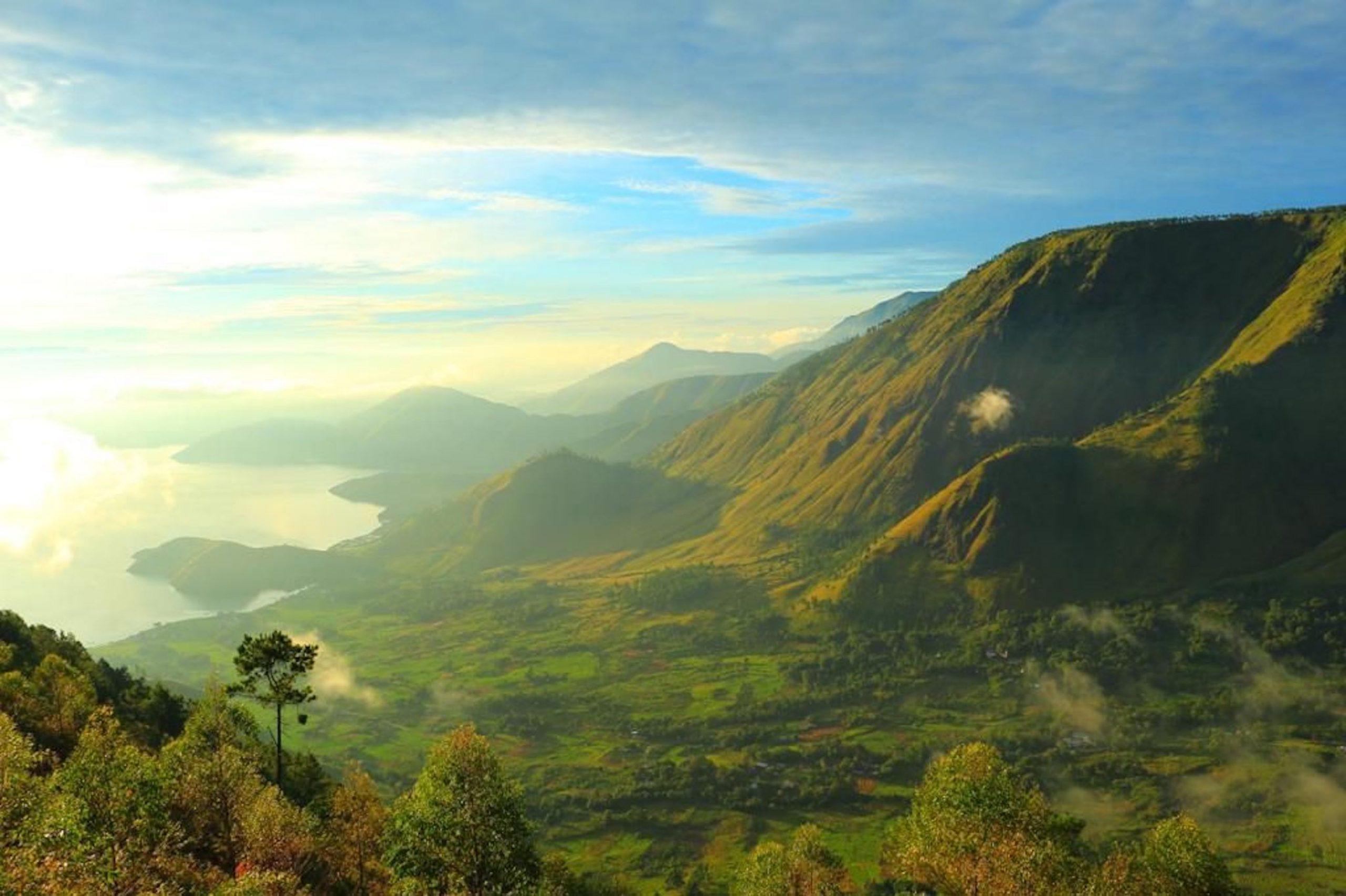 Musisi Indra Lesmana membuat lagu Citra Nusantara untuk mendukung pariwisata