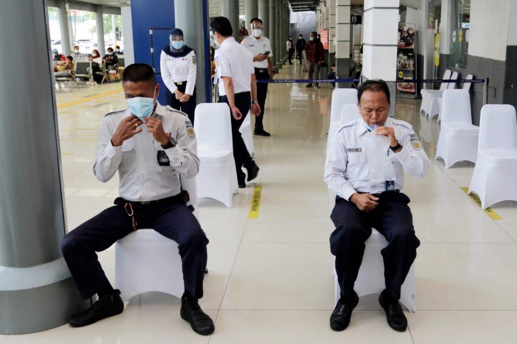 KAI sediakan GeNose mulai 5 Februari 2021 di stasiun Senen, Jakarta, dan stasiun Yogyakarta.