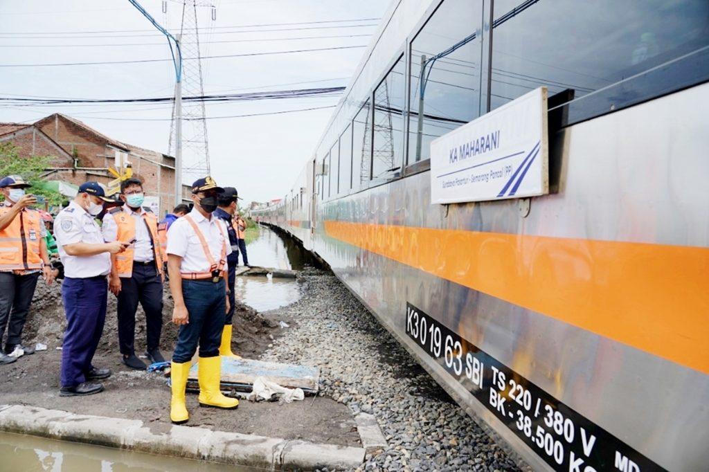 Gapeka 2021 PT kereta Api Indonesia mulai diberlakukan 10 Februari dan diperkirakan akan membuat jdwal perjalanan kereta api mejadi lebih singkat.