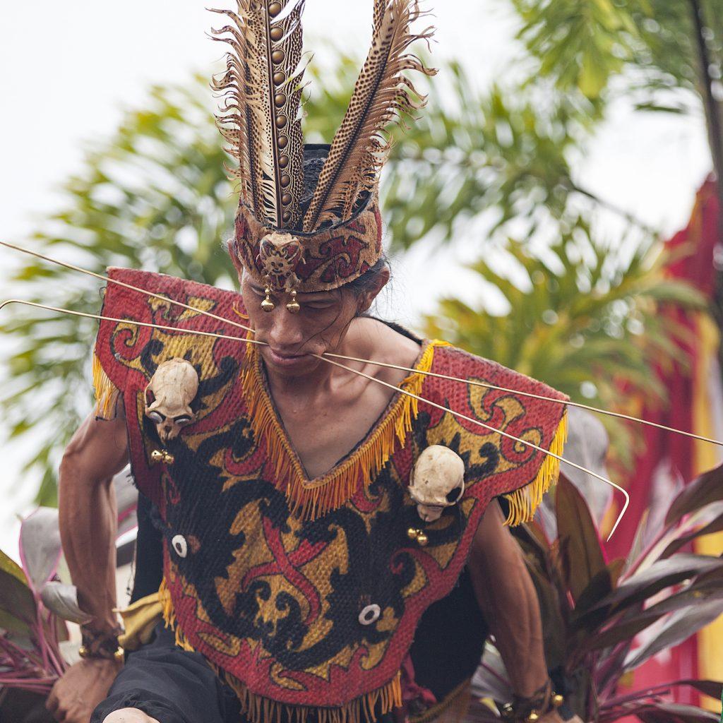 Kota Singkawang terkenal sebagai salah satu China Town dengan Festival Cap Go Meh yang dramatis dengan penampilan para tatung.