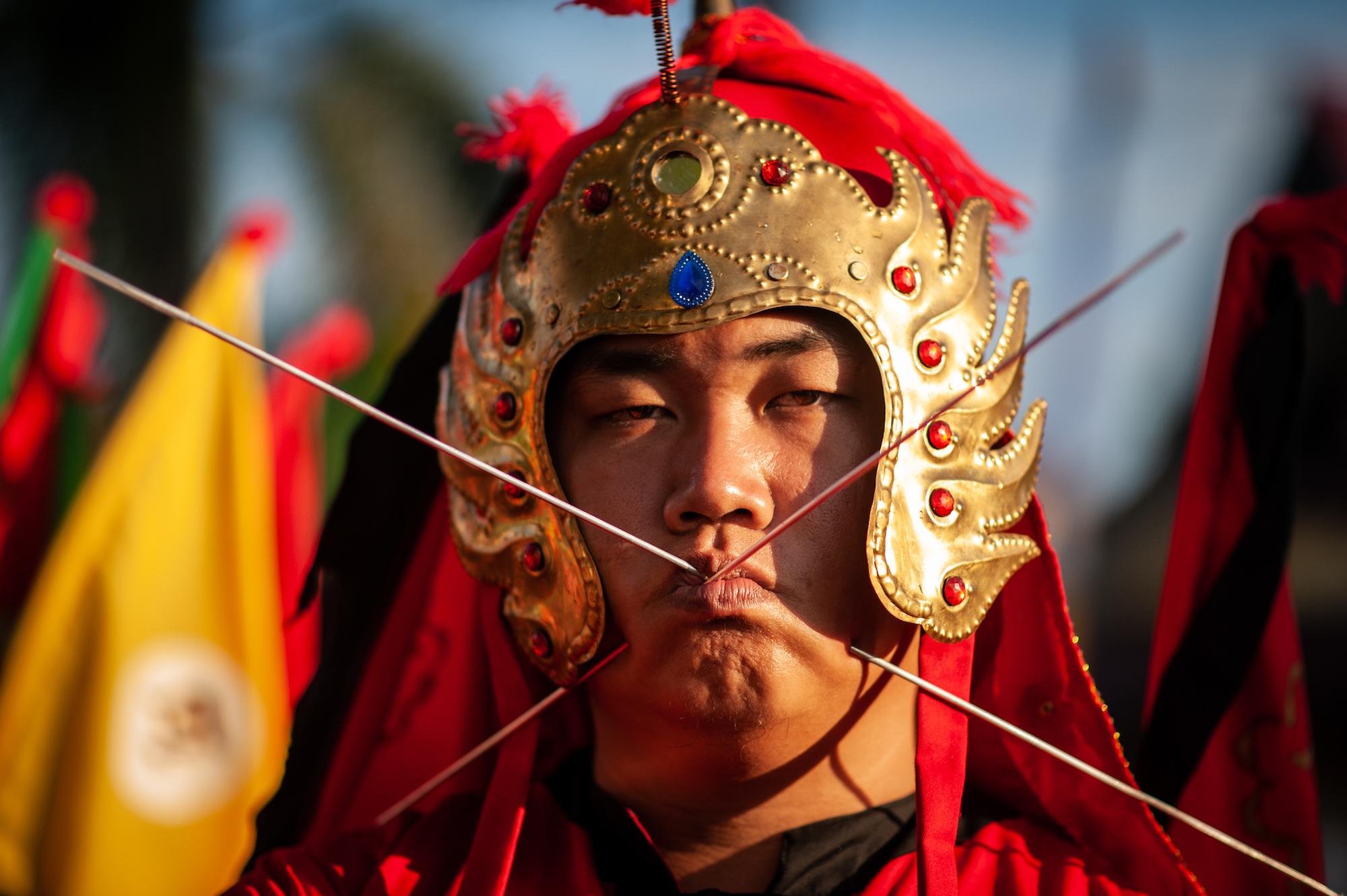 Kota Singkawang punya Festival Cap Go Meh yang menampilkan parade tatung.