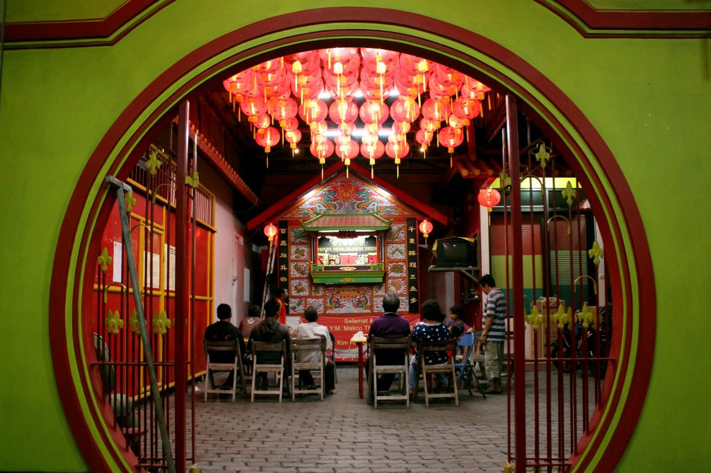 Wayang Potehi merupakan akulutrasi kebudayaan Tiongkok dan kearifan lokal Nusantara.