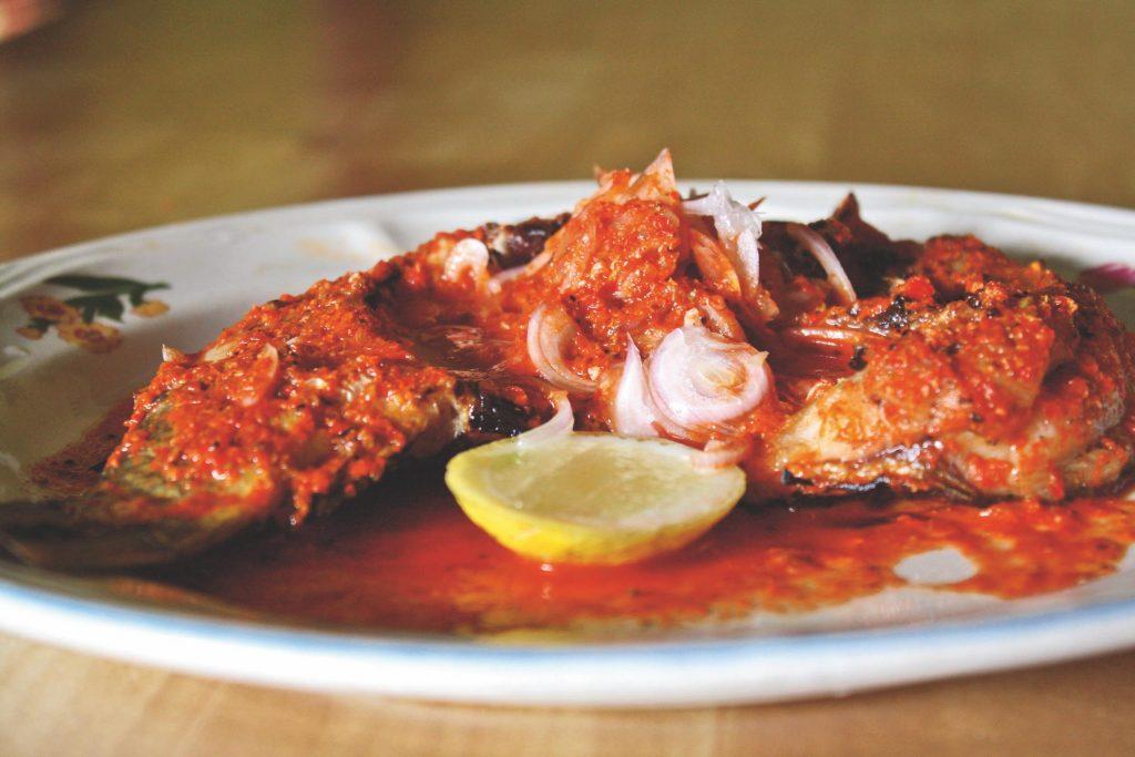 Asam gurih khas Sipirok, Sumatera Utara, di antaranya  ikan mas Sinyarnyar.