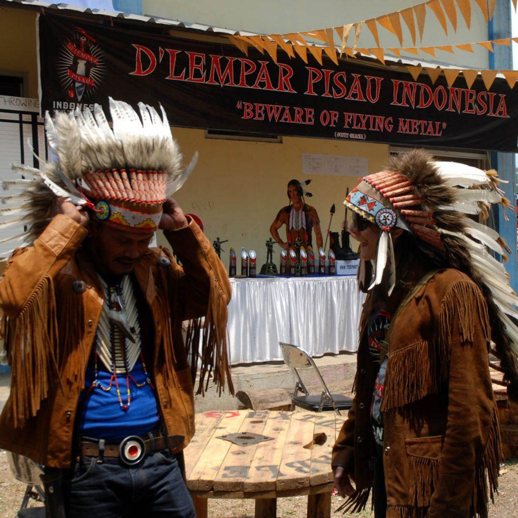 D'Lempis sebuah komunitas penghobi melempar pisau di Indonesia.