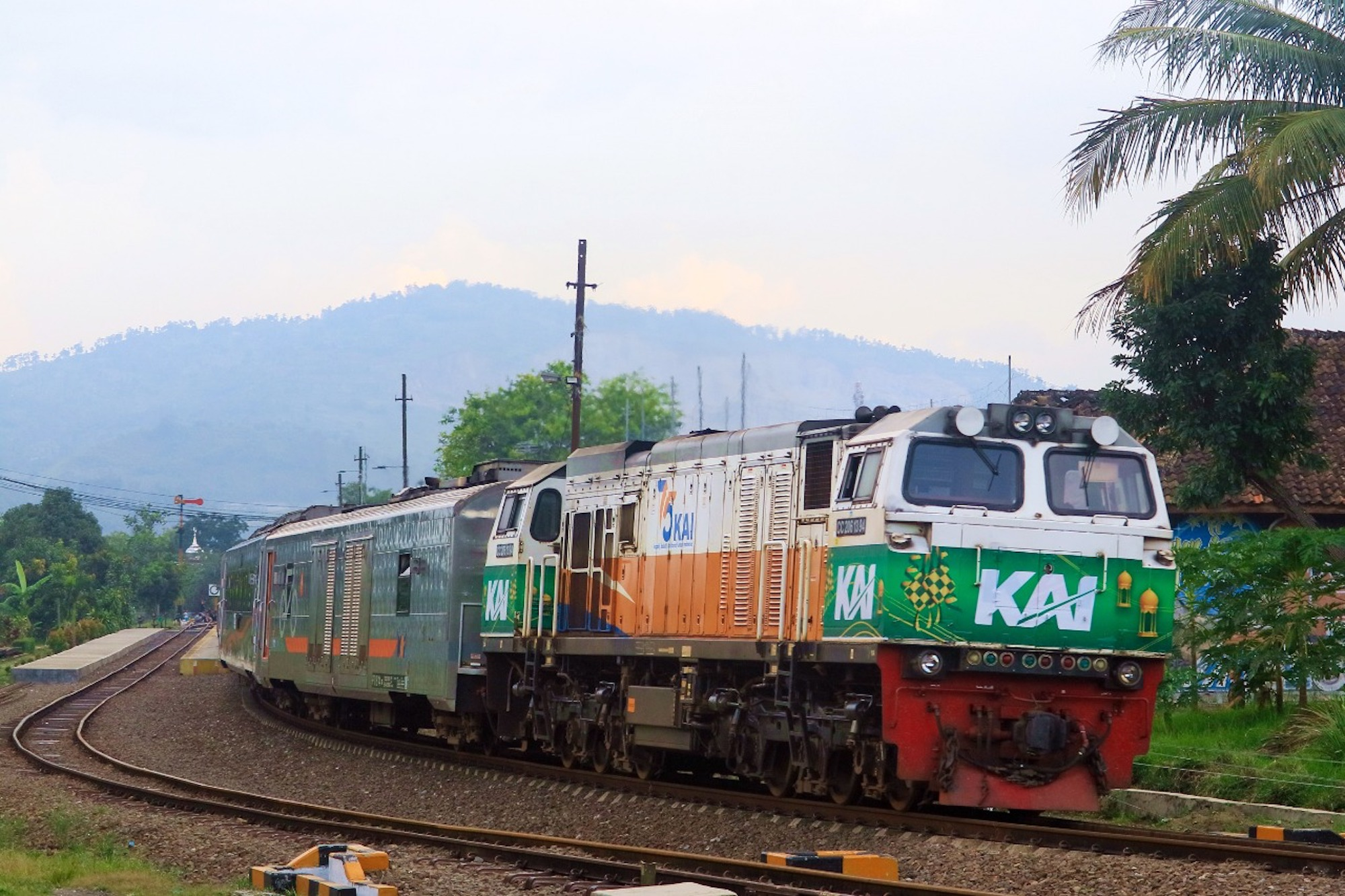KAI angkut 81 ribu penumpang selama lebaran 2021.