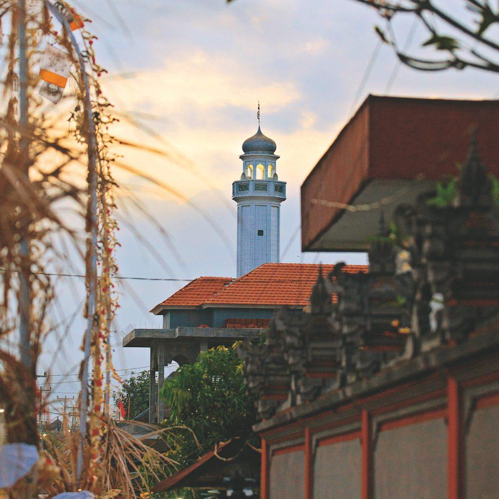 Masjid Gelgel Bali sebagai masjid tertua di pulau Dewata, didirikan sejak abad 13.