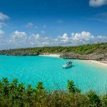 Eksotisme Kepulauan Selayar menjanjikan pantai putih yang elok.