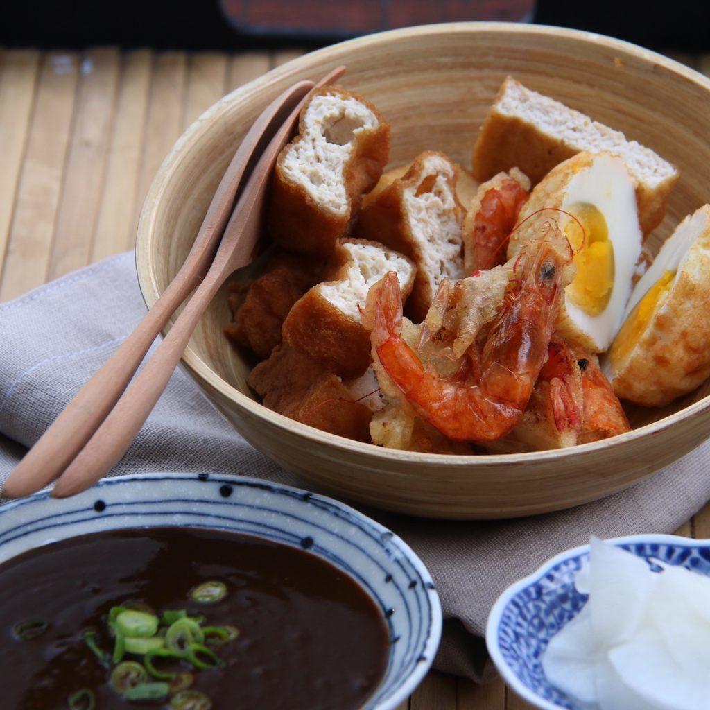 5 kudapan enak khas kota Semarang yang layak buat dicicipi saat mampir ke kota ini.