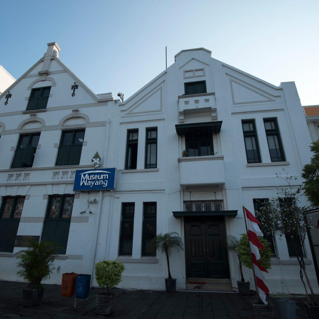 jalan-jalan asyik di kota Tua Jakarta bisa menikmati sejumlah museum, di antaranya museum Wayang.