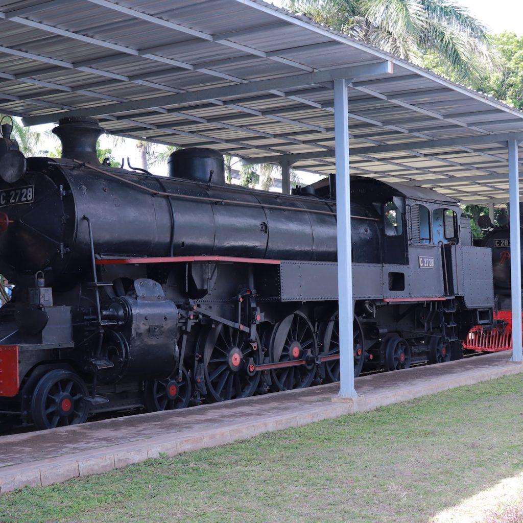 Museum Kereta Ambarawa memiliki sejumlah koleksi lokomotif uap kuno.