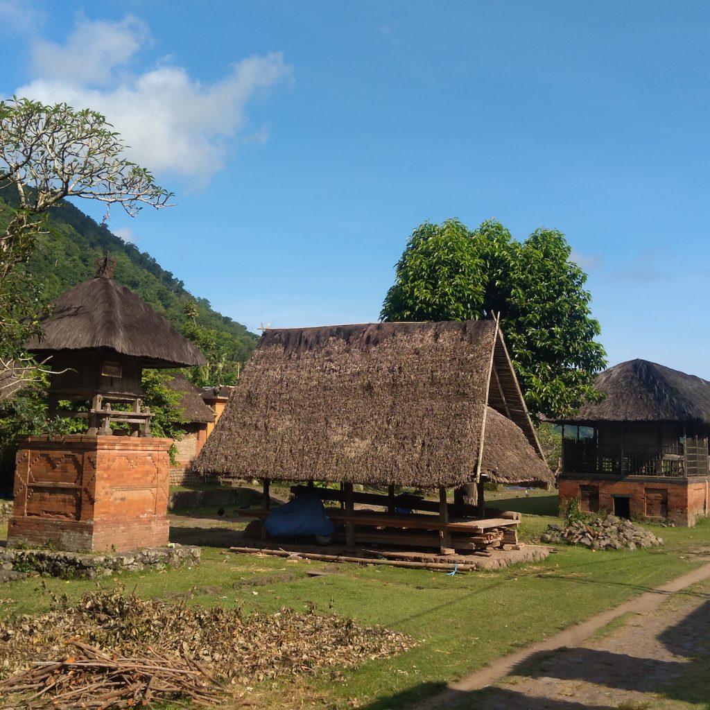 Desa Adat Tenganan, Bali, merupakan salah satu desa dengan tradisi Bali Age.
