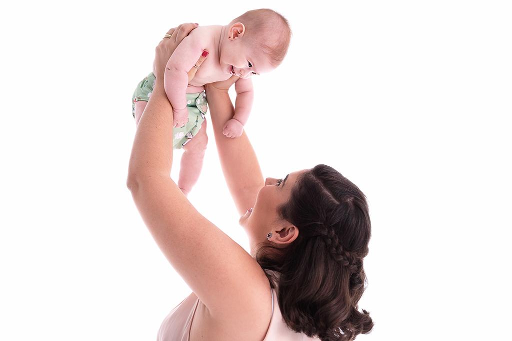 fotos de acompanhamento de bebês, acompanhamento fotográfico, fotos de acompanhamento, fotos de bebês, ensaio acompanhamento, fotografa de bebes sp, fotografia newborn, melhores fases para fotografar bebês, fotografar bebês, ensaio de família, foto mamãe e bebê