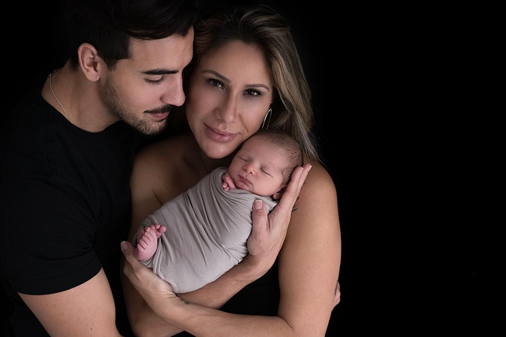ensaio de fotos com recem-nascido de 10 dias e familia