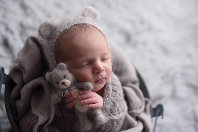 bebe em cesta fotografia newborn, as principais duvidas dos pais em fotos de bebes