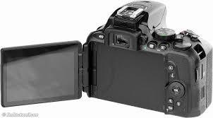 Nikon D5600 fully articulating LCD screen