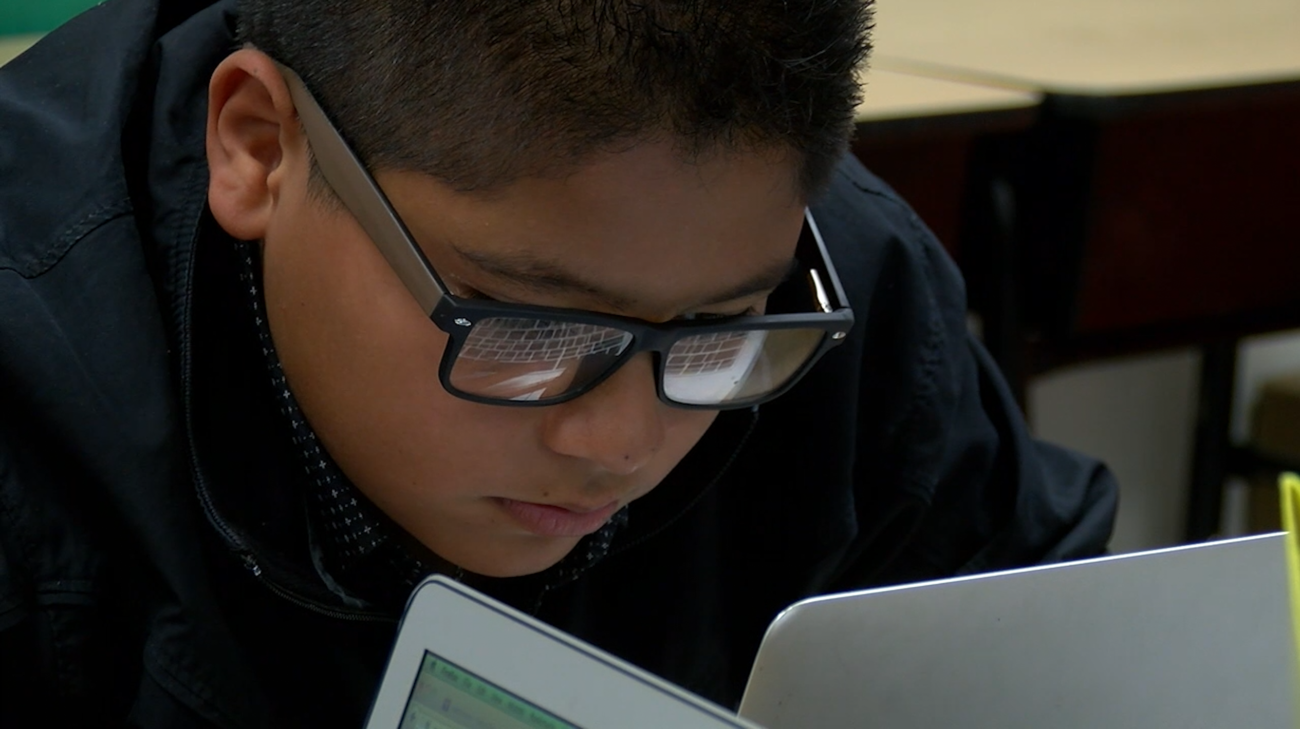 lcps student on computer