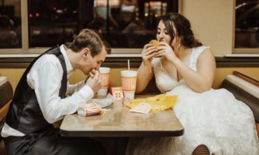 whataburger-couple-eating