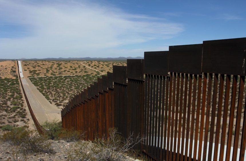 BORDER-WALL-Juarez