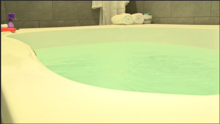 Local wellness center suggests floatation as solution to PTSD - KYMA